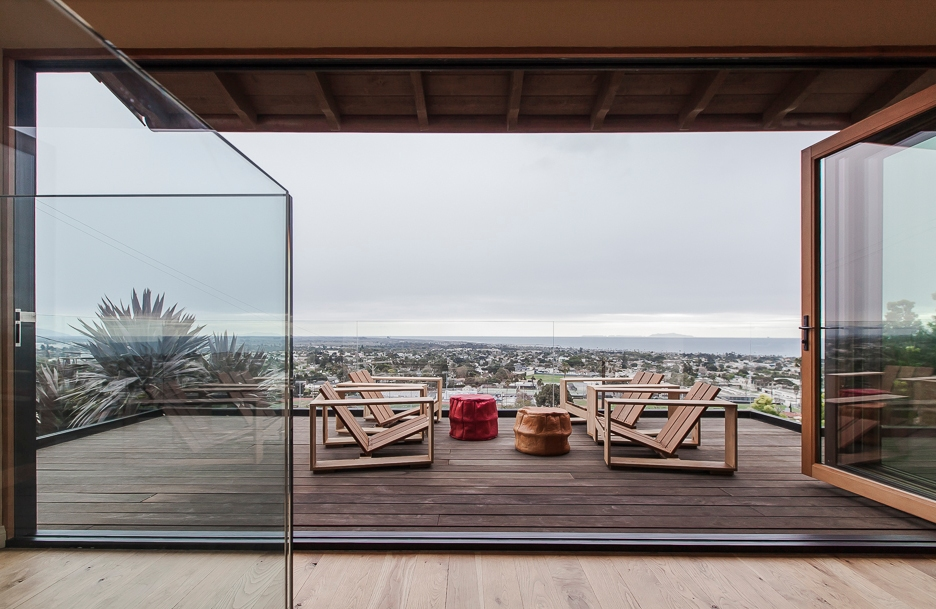 Hillside Residence Ventura CA | elevated deck and ocean view